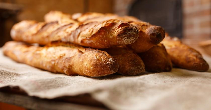 https://www.pexels.com/photo/baguette-bakery-blur-bread-461060/