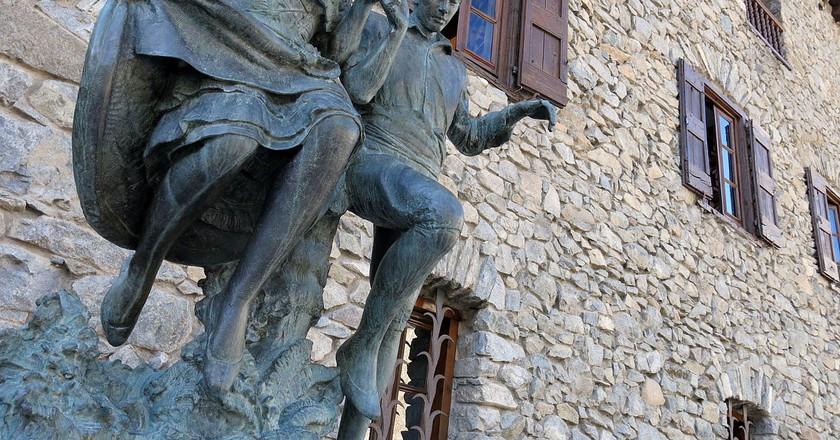Sculpture by Josep Viladomat   © Enfo / Wikimedia Commons
