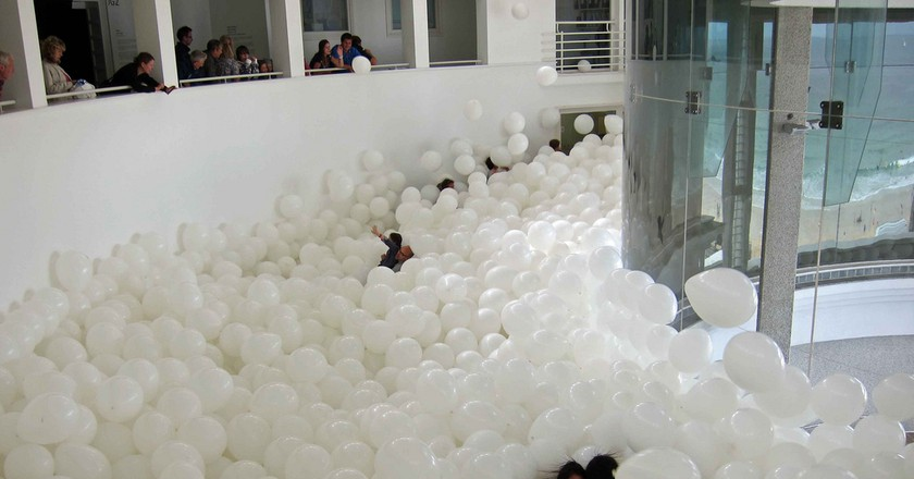 Martin Creed at Tate St Ives, Half the Air in a Given Space   © Julian Stallabrass/Flickr