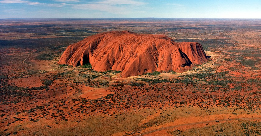 https://commons.wikimedia.org/wiki/File:Uluru,_helicopter_view,_cropped.jpg
