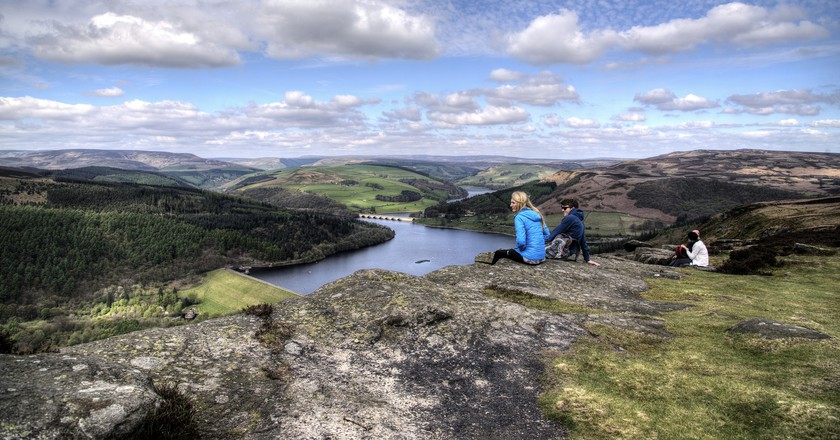 Watching the world go by, Peak District | © Simon Harrod/Flickr