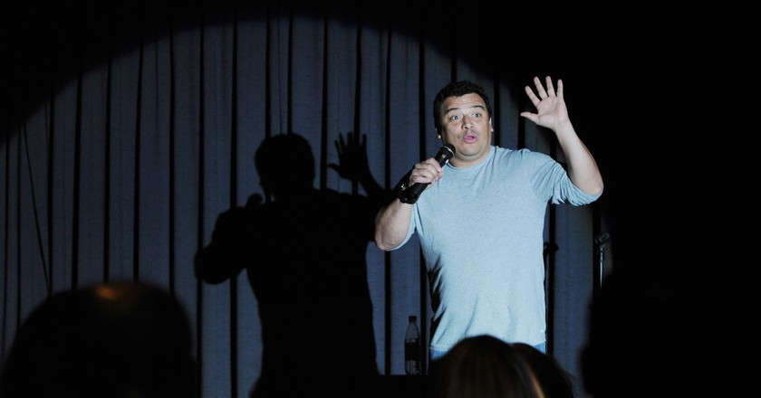 See stand-up comics for free in NYC | © US Air Force Photo, By: Tech. Sgt. Chenzira Mallory
