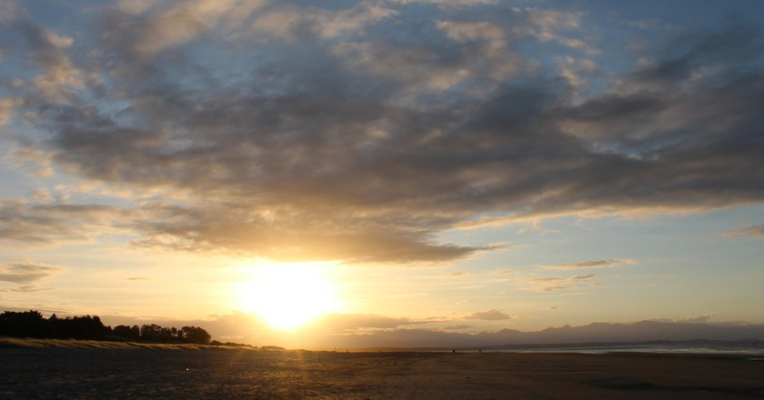 Sun Rays Over Tahunanui Beach, Nelson | © Tim Mcnamara/Flickr