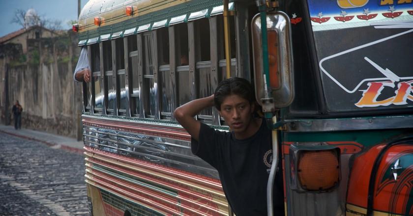 Antigua Guatemala chicken bus | © prendio2 / Flickr