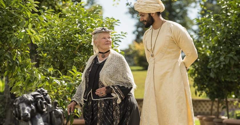 Dame Judi Dench and Ali Fazal in 'Victoria & Abdul' | © Universal Pictures