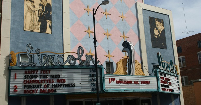 Old Style Movie Theater | © Alan Levine/Flickr