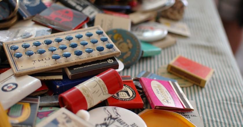 Flea Market Finds | © jen/Flickr