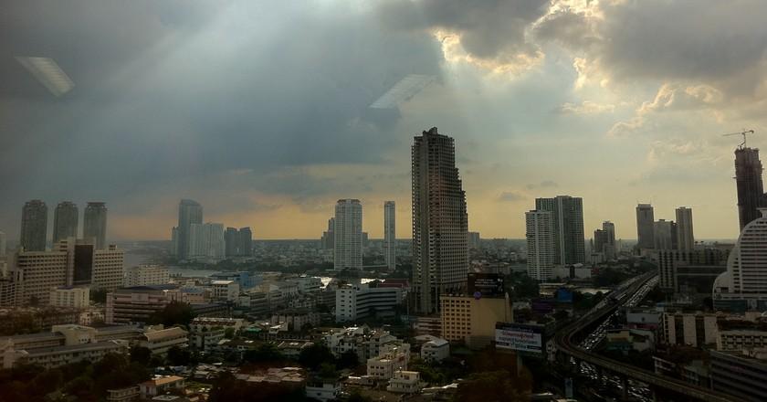 Sunshine follows the rain in Bangkok | © Maythee Anegboonlap/Flickr