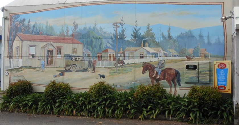 A mural depicting Katikati in the early days | © Michael Coghlan/Flickr