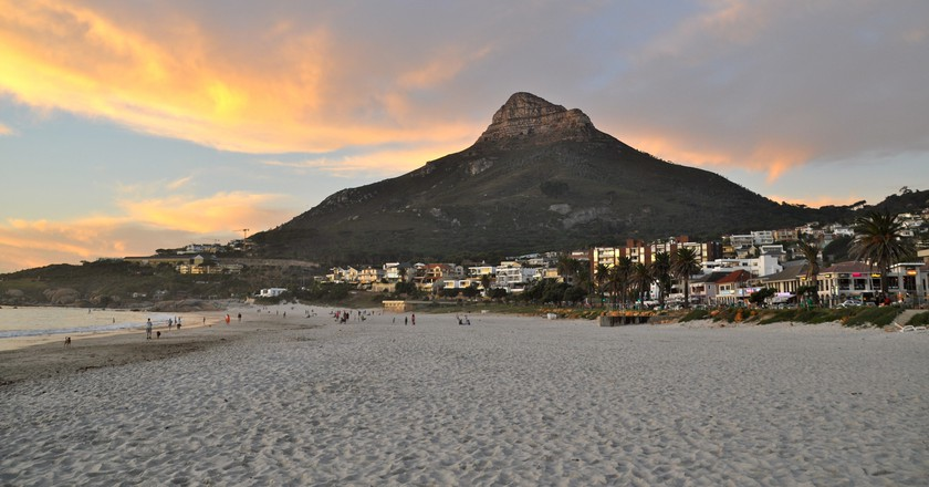 Lion's Head from Camps Bay |© Shelby Steward / Flickr