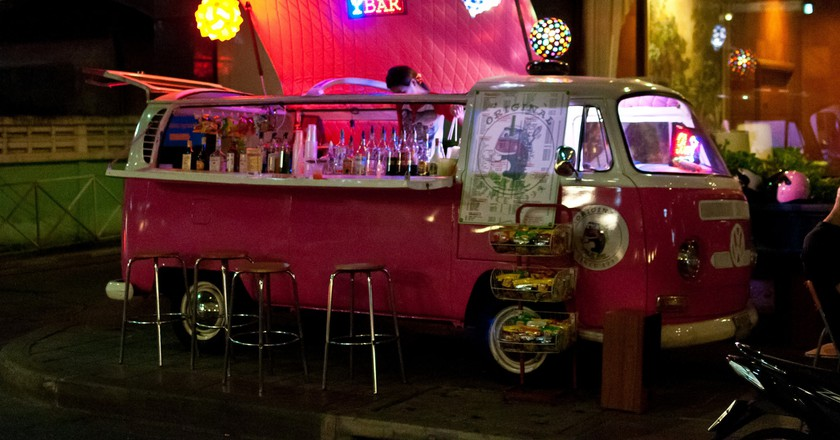 Mini van mini bar in Bangkok | © Mark Fischer/Flickr