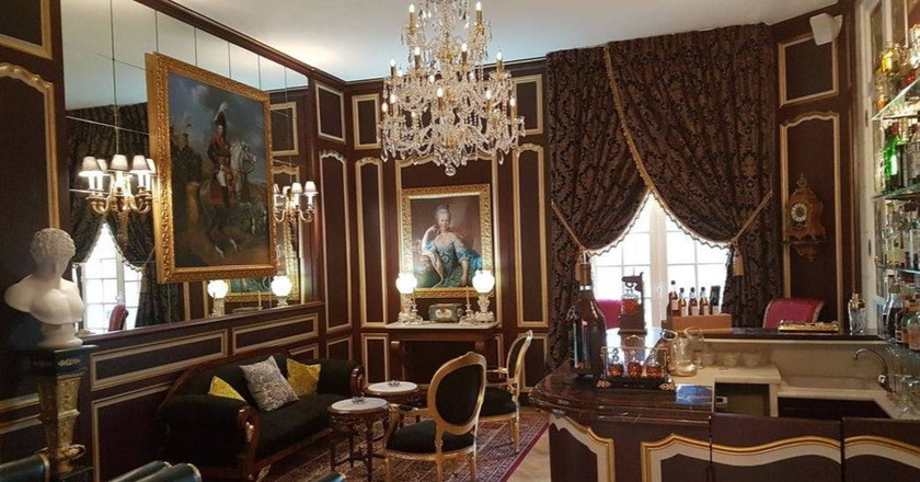 The hotel lounge at Château de Beauvois |© Courtesy of Hotels.com