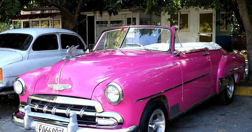 Classic cars are everywhere in Cuba | © BarbeeAnne / Pixabay