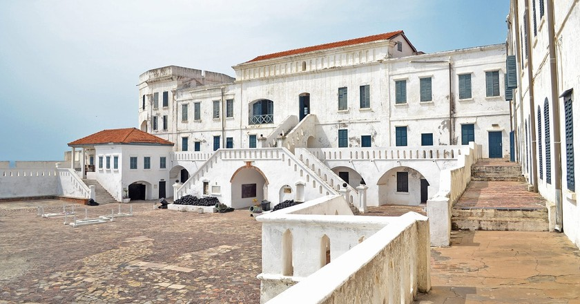 "<a href = ""https://pixabay.com/en/castle-cape-coast-ghana-2419575/""> Cape Coast Castle 