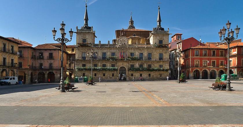 Plaza Mayor, Leon, Spain | © José Luis Filpo Cabana / WikiCommons