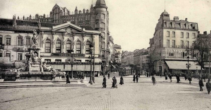 Porte de Namur c.1900 | publid domain / Wikimedia Commons