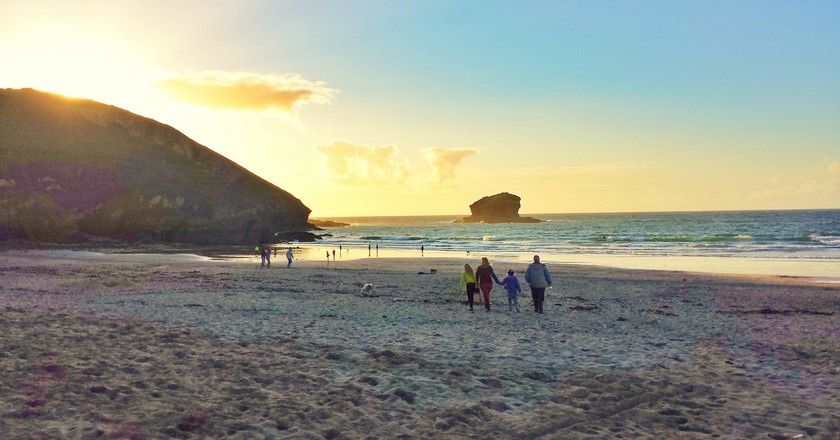 Portreath Beach at sunset | © David Hodgson/Flickr