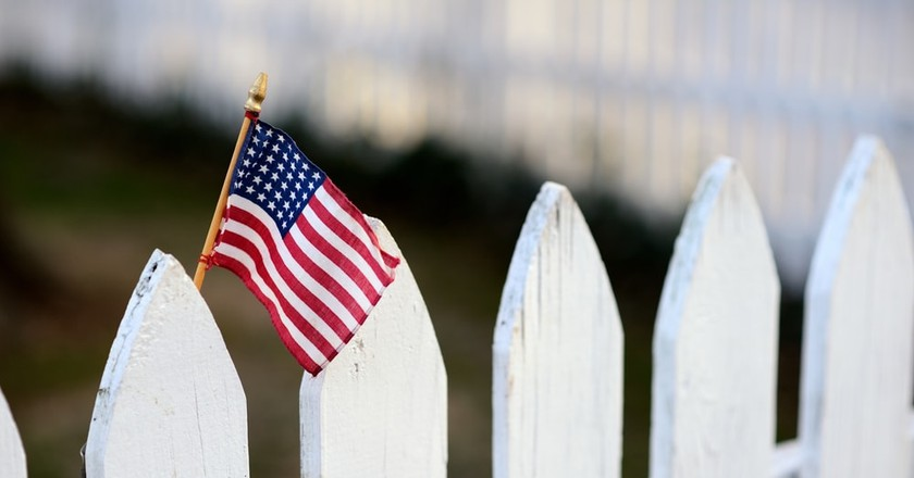 White picket fence | © Tony Tueni/Shutterstock