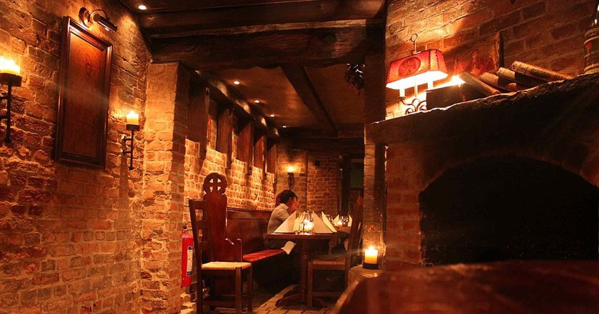 Christmas dinner in a wine cellar is all you could ask for | © Benreis/Wikimedia Commons