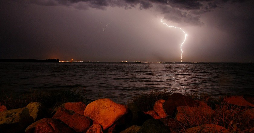 A lightening strike over Catatumbo bay   © Karen Gutierrez Sarmiento / WikiCommons
