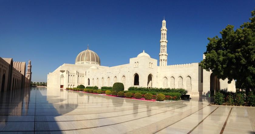 Sultan Qaboos Grand Mosque    © edward stojakovic/Flickr