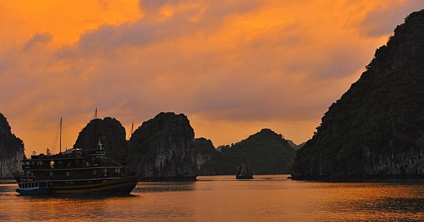 Ha Long Bay, Vietnam | © Davidlohr Bueso/Flickr