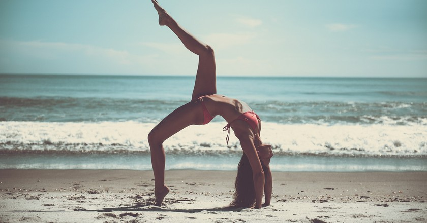 Yoga on the beach | © Pexels/Pixabay