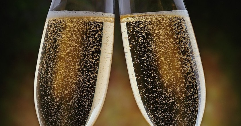 A Champagne Cheers! | © Bill Masson/Flickr