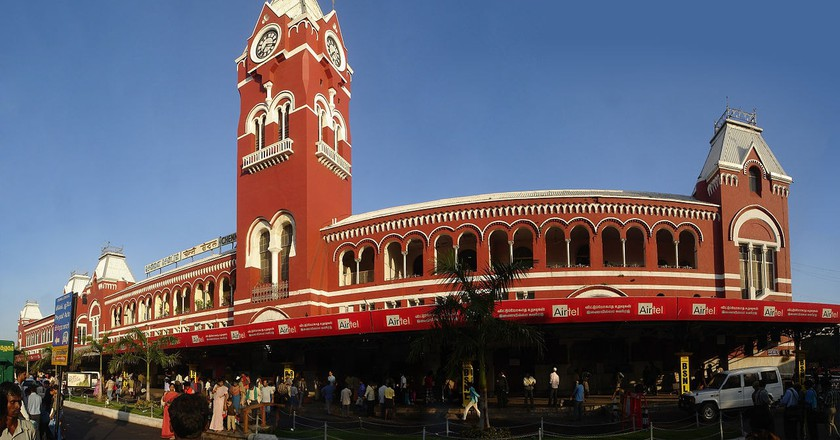 A panoramic view of the Central Station in Chennai, often called the gateway to the city | ©PlaneMad/Wiki Commons