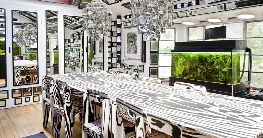 Unique artist mirrored house | © Airbnb host Martin & Jesha, Image courtesy of Airbnb