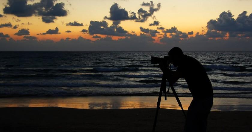 Camera on Tel Aviv beach   © bachmont / Flickr