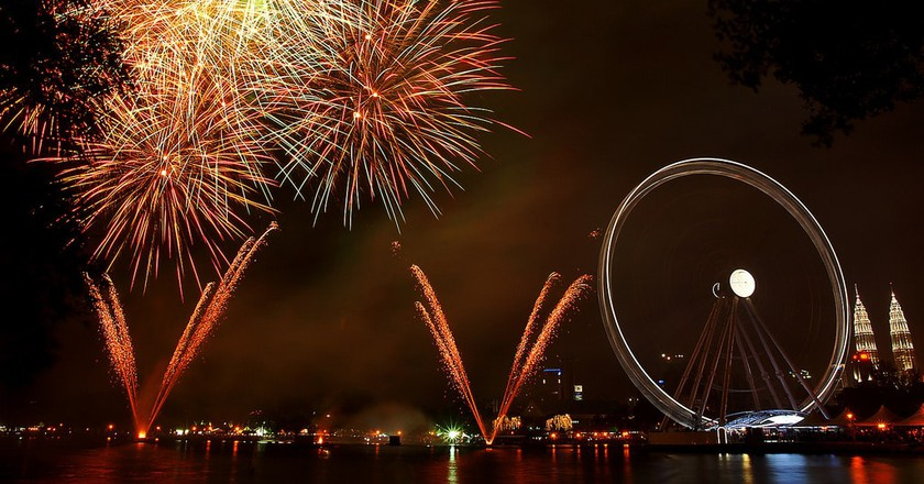 Fireworks at The Eye of Malaysia, KL © amrufm/Flickr