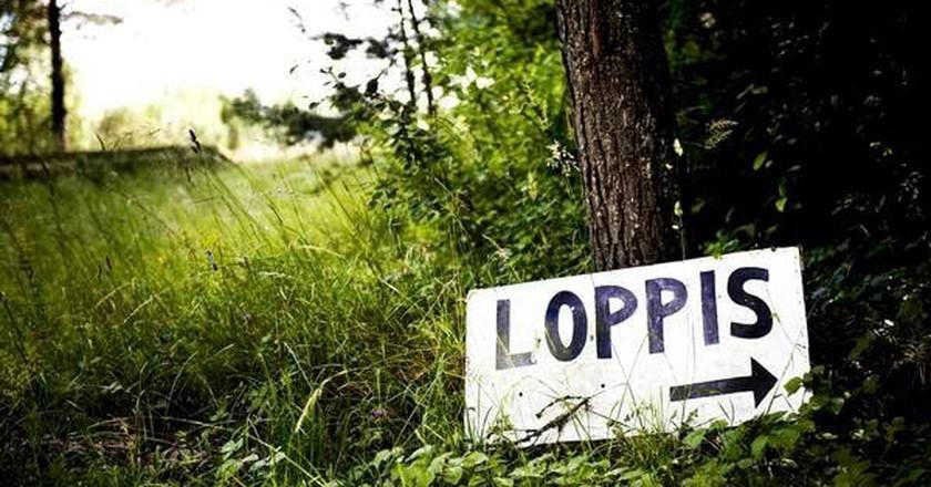 Flea Market sign | Courtesy of Loppermarkeder Community