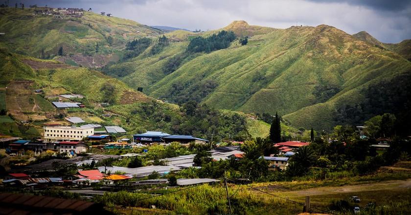 Beautiful valley of Kundasang with luscious mountain views © .zaim./Flickr