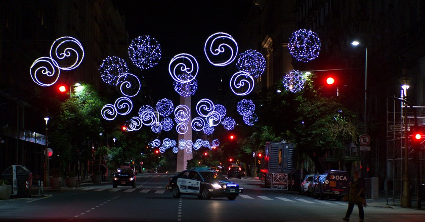 Christmas lights in Buenos Aires | © Nan Palmero/Flickr