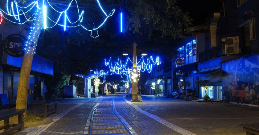 The old railways tracks in downtown Hualien | © Ken Marshall / Flickr