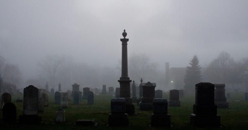 Graveyard | © Scott Rodgerson/Unsplash