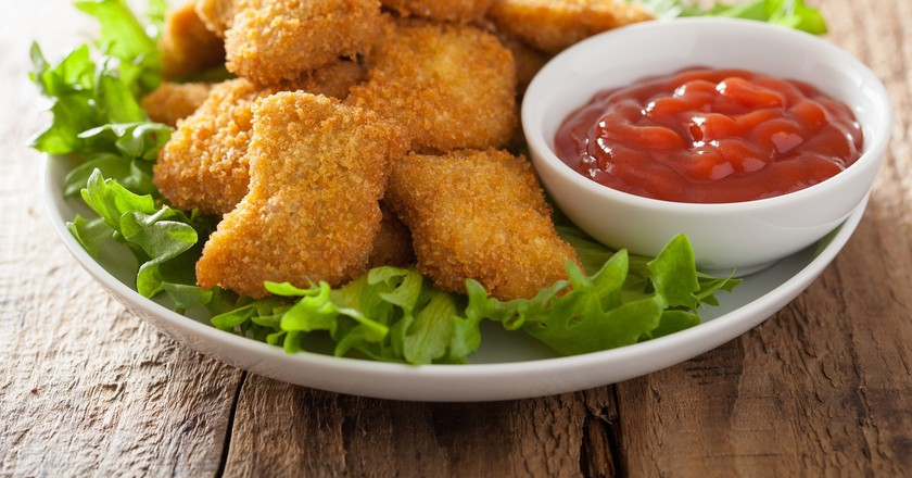 Chicken nuggets with ketchup  | © Olga Miltsova/Shutterstock