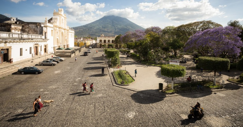 Place Central Antigua, Guatemala | © Olivier Tabary/Shutterstock