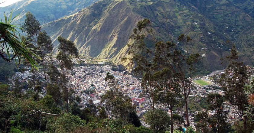 Overhead view of the city of Banos, Andes Range, Equator   ©  Paskee/Shutterstock