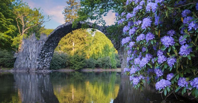 Devil's Bridge in Kromlau, Saxony | © Mike Mareen / Shutterstock
