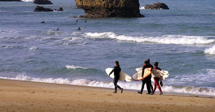 Surfing in Biarritz, France | ©josu.orbe / Flcikr