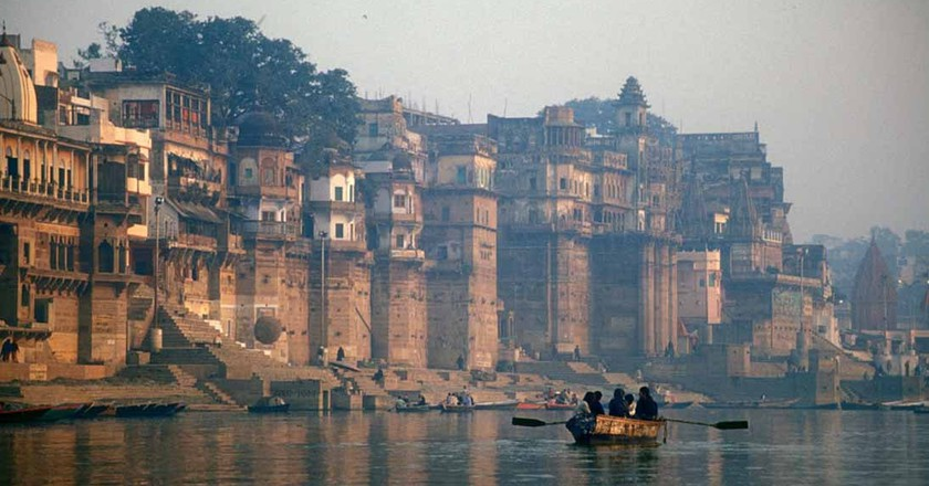 A view of the Ganges River in Varanasi, India |© Babasteve / Wiki Commons