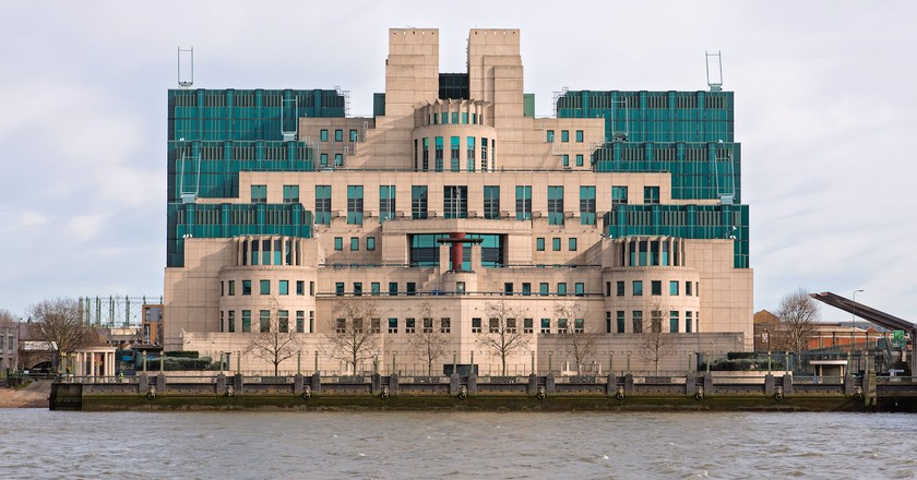 Take a Tour of London's Most Iconic Postmodern Buildings