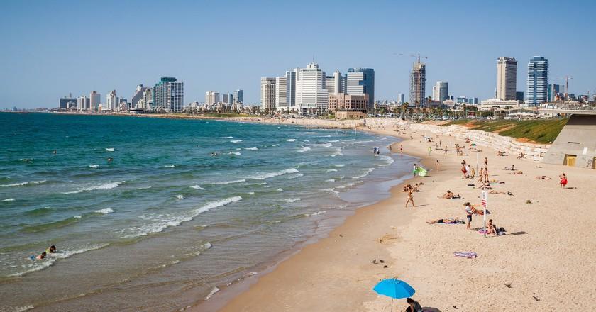 Tel Aviv's coastline   © Edmund Gall / Flickr