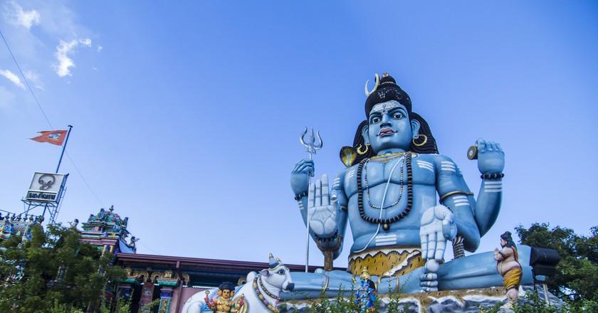 Shiva statue in Trincomalee © eleleven / Flickr