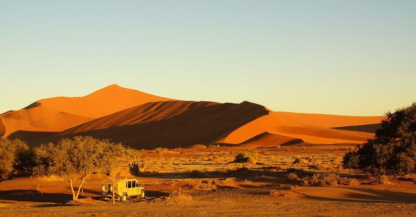 Red dunes of Sossusvlei   © Heribert Bechen/Flickr