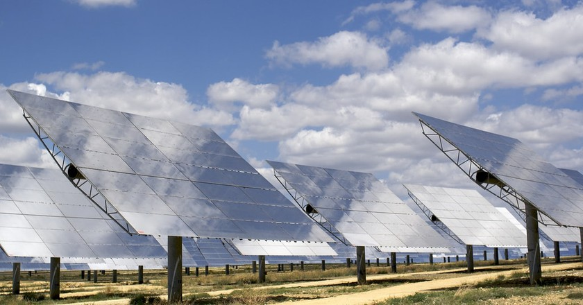 Mirrors on a solar power plant | © alex lang / Flickr