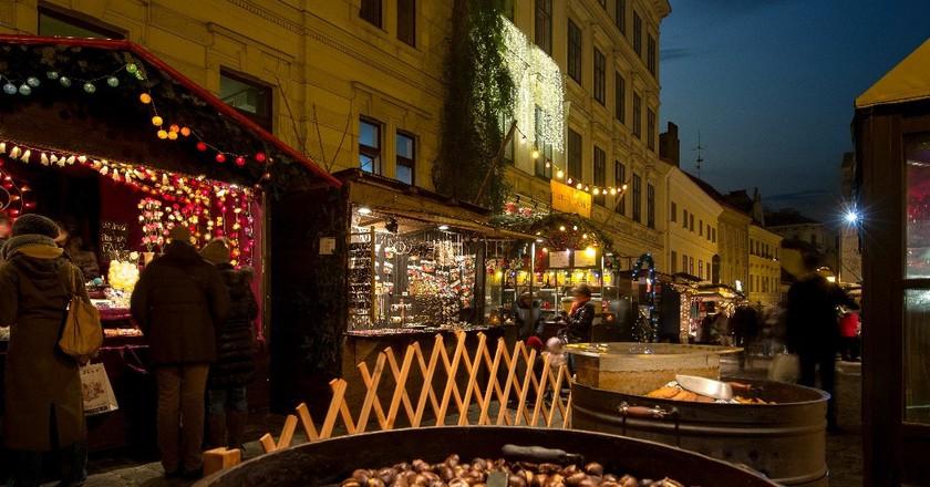 A maroni stall in Vienna | Courtesy of Vienna Tourist Board