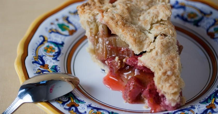 Vegan Strawberry Rhubarb Pie ©Veganbaking.net/Flicker